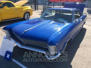 Buick Riviera coupé bleu laqué
