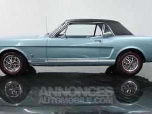 Ford Mustang coupé bleu laqué
