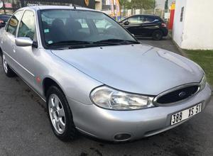 Ford Mondeo Ghia 1.8 Zetec d'occasion