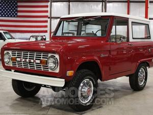 Ford Bronco Convertible rouge laqué