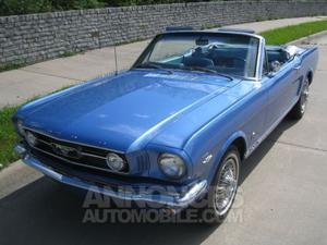 Ford Mustang Convertible bleu laqué
