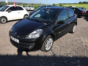 renault clio 15 dci luxe privilege diesel annee 2004 182 cozot voiture. Black Bedroom Furniture Sets. Home Design Ideas