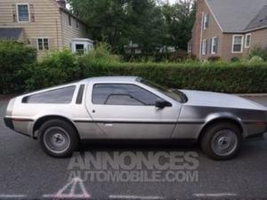 DeLorean DMC- gris métallisé