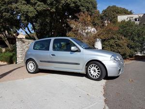 RENAULT Clio 2.0i 16V Renault Sport