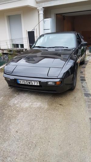 PORSCHE 944 Luxe