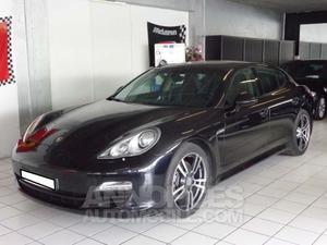 Porsche Panamera V noir verni